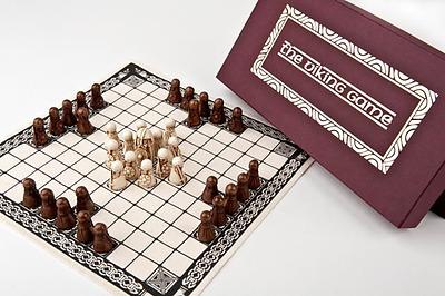 Einfach und sicher online bestellen: The Viking Game - HNEFATAFL in Österreich kaufen.