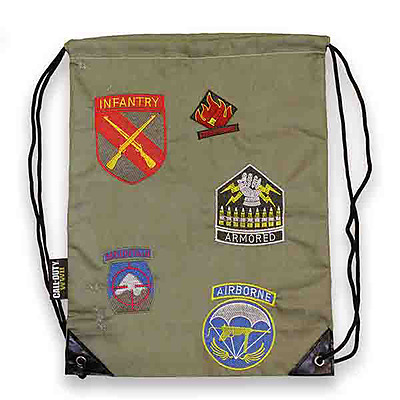 Einfach und sicher online bestellen: Call of Duty Divisions Patches Backpack in Österreich kaufen.