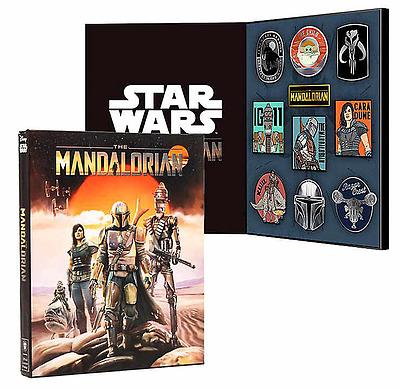 Einfach und sicher online bestellen: Star Wars Mandalorian Collectible Pin Case Set in Österreich kaufen.