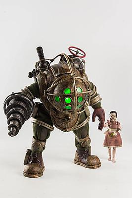 Einfach und sicher online bestellen: Bioshock Actionfigur Big Daddy + Little Sister in Österreich kaufen.