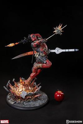 Einfach und sicher online bestellen: Marvel Comics Premium Figur Deadpool Heat-Seeker in Österreich kaufen.