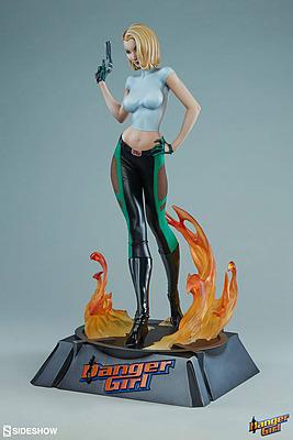 Einfach und sicher online bestellen: Danger Girl Figur Abbey Chase in Österreich kaufen.