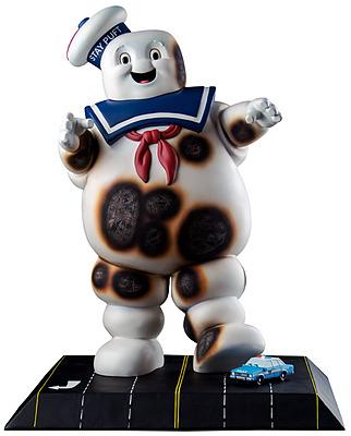 Einfach und sicher online bestellen: Ghostbusters Statue Stay Puft Burnt Variant in Österreich kaufen.