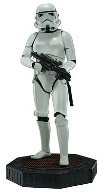 Einfach und sicher online bestellen: Star Wars Legendary Scale Statue Stormtrooper 1/2 in Österreich kaufen.