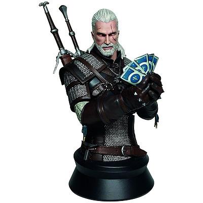 Einfach und sicher online bestellen: The Witcher 3 Büste Geralt Playing Gwent in Österreich kaufen.