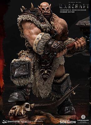 Einfach und sicher online bestellen: Warcraft: The Beginning Statue Orgrim Standard in Österreich kaufen.