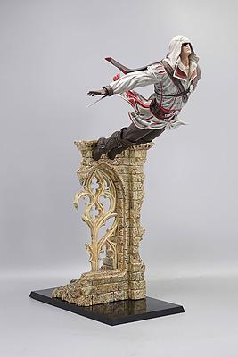 Einfach und sicher online bestellen: Assassins Creed Figur Ezio Leap of Faith in Österreich kaufen.