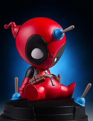 Einfach und sicher online bestellen: Marvel Comics Mini-Statue Deadpool in Österreich kaufen.