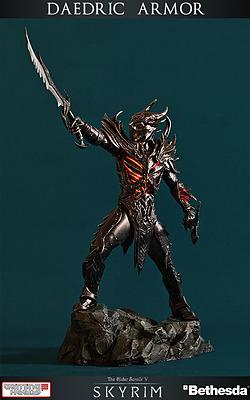 Einfach und sicher online bestellen: The Elder Scrolls Skyrim Statue Daedrische Rüstung in Österreich kaufen.