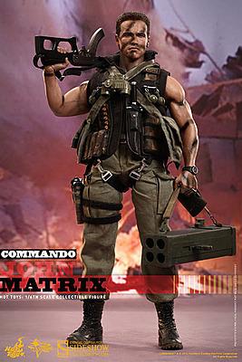Einfach und sicher online bestellen: Phantom Kommando Actionfigur 1/6 John Matrix 32 cm in Österreich kaufen.