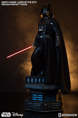 Einfach und sicher online bestellen: Star Wars Figur Darth Vader Lord of the Sith in Österreich kaufen.