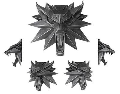 Einfach und sicher online bestellen: The Witcher 3 Wandskulptur Wolf in Österreich kaufen.