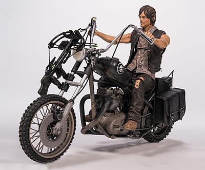 Einfach und sicher online bestellen: The Walking Dead Actionfigur Daryl Dixon Chopper in Österreich kaufen.